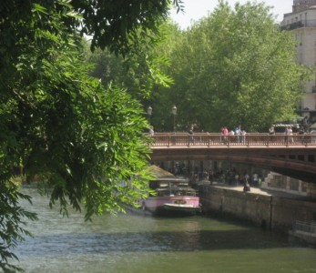 The 12 Most Romantic Reasons to Visit Paris